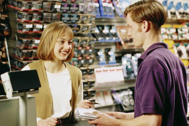 функции старшего продавца магазина одежды