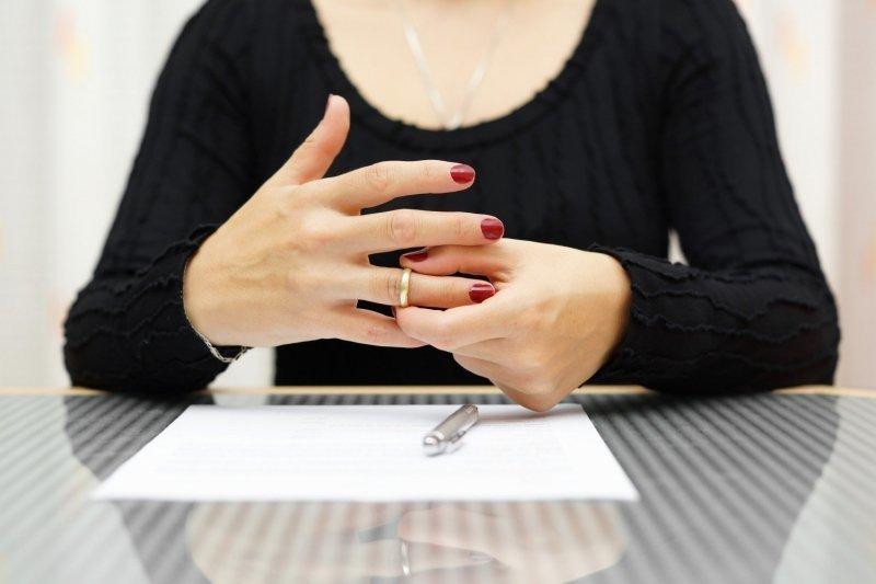 имеет ли право муж подать на развод если ребенку нет года - фото 5