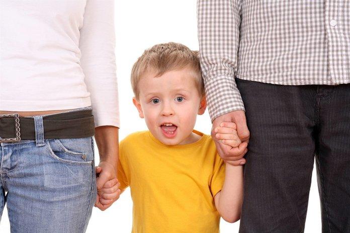 Как оставить ребенка при разводе с отцом тело